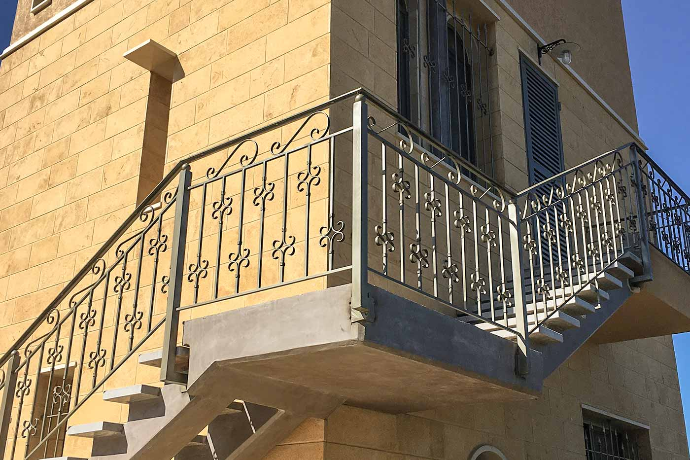 Hisham Merhi Villa - Outdoor Stairs