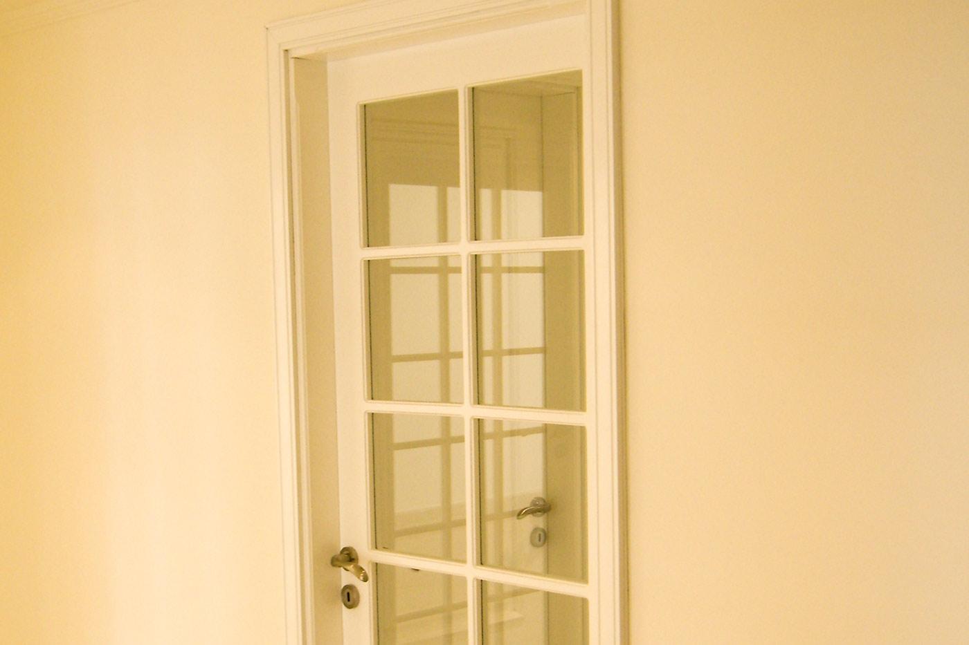 Sankari Residence - Yellow Door