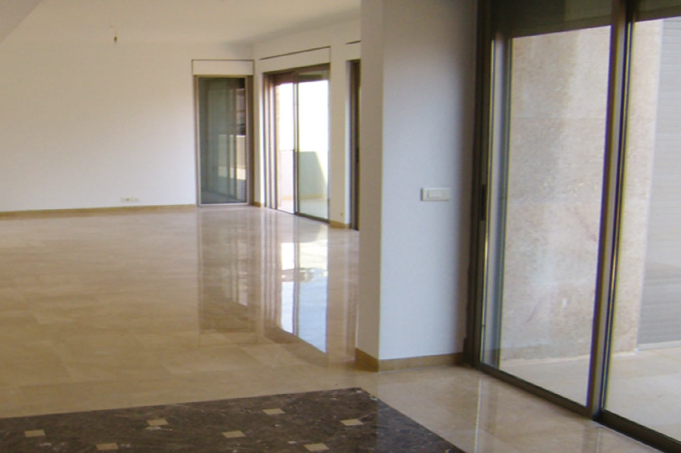 Trabaud Residence - Ground Floor with Glass Sliding Doors